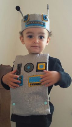 Cute handmade retro robot costume for toddler by AuggieFroggy