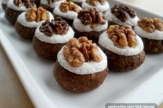 Jednoduché oříškové knoflíky | NejRecept.cz Christmas Cookies, Rum, Vitamins, Muffin, Food And Drink, Xmas, Cooking, Breakfast, Cake