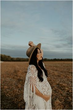 Maryland + Delaware Maternity Photos — Sincerely, The Kitchens Boho Maternity Dress, Maternity Photo Outfits, Maternity Dresses For Photoshoot, Maternity Fashion, Maternity Photography Poses, Maternity Poses, Maternity Portraits, Fall Maternity Pictures, Outdoor Maternity Photos