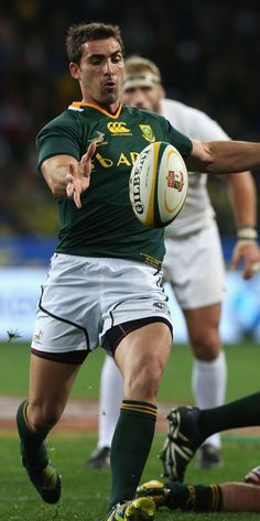 South Africa's Ruan Pienaar clears the ball Rugby Teams, Rugby Players, Rugby Pictures, South African Rugby, International Rugby, British Lions, Super Rugby, Australian Football, Soccer Socks