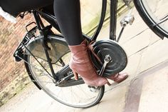 Marc Jacobs boots, Pashley wheels and Cambridge cobblestones
