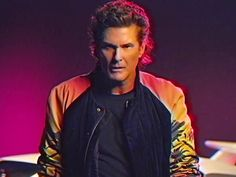 David Hasselhoff de retour dans un clip super kitsch (on adore) Survivor Music, Kung Fury, Je T'adore, Star David, Everything Is Awesome, Awesome Things, Action, Baywatch, 80s Music