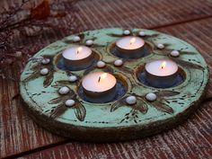 Svícen+vánoční+1.+Adventní+svícen+keramický+...+průměr+23+cm+...+originálKronmon74+Monika+Kronďáková