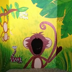 DIY Monkey photo scene setter for jungle theme birthday party - could be sitting on a table