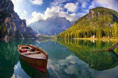 Mirando al mundo con sentimientos: El hermoso lago Di Braies