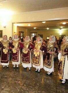 Albanian Language, Costumes Around The World, Late Middle Ages, Folk Costume, Byzantine, Ethnic Fashion, Traditional Outfits, Period, Greece