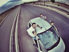 not the safest thing, but cool! Gopro Photography, Hobby Photography, Photography Ideas, Creative Pictures, Cool Pictures, Gopro Video, Selfies, Gopro Camera, Film Inspiration