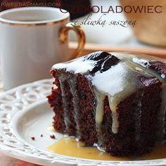 Wilgotne ciasto z suszonych śliwek