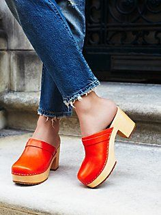 Comfort and style, along with brilliantly bright tangerine, combine in a pair of clogs that were made for strutting the streets. Wooden Sandals, Wooden Clogs, Women's Shoes, Shoes Sneakers, Birkenstock, Shoes For School, Use E Abuse, Womens Golf Shoes, Sexy High Heels