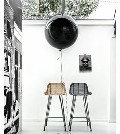 The design of the black rattan bar stool by HK Living is as simple as it is amazing, making it a perfect match in almost any interior style. The black rattan. Chaise Haute Bar, Chaise Bar, Rattan Bar Stools, Bar Chairs, Dinner Chairs, Office Chairs, Breakfast Bar Stools, Breakfast Bars, Interior Styling