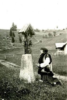 Carpathian mountains , W. Ukraine , from Iryna Romania People, Carpathian Mountains, Ukrainian Art, Eastern Europe, Vintage Pictures, Historical Photos, Old Photos, Wonders Of The World, Retro
