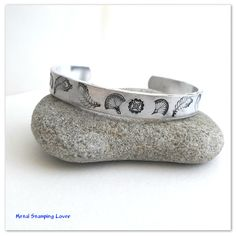 Hand stamped cuff bracelet, Design bracelet, Aluminium cuff, Bracelet femme, Unique bracelet, Boho jewelry, Gift for women, Christmas gift #jewelry #bracelet #bohojewelry #cuffbracelet etsy.me/2JSoxXx