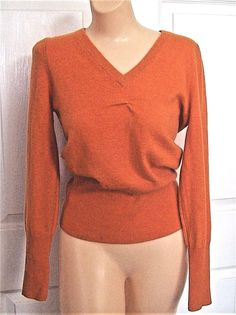 Neiman Marcus orange long sleeve V neck 100% cashmere sweater size small #NeimanMarcus #Sweater