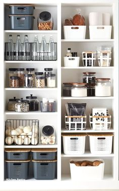 Die besten Lösungen für die Küchenorganisation The best solutions for kitchen organization Cuisine is everything for many women! Here, women can entertain family and friends with delicious meals and cookies. To realize this … house decoration Kitchen Organization Pantry, Home Organisation, Kitchen Storage, Organized Pantry, Organization Ideas, Storage Ideas, Open Pantry, Pantry Shelving, Bathroom Storage