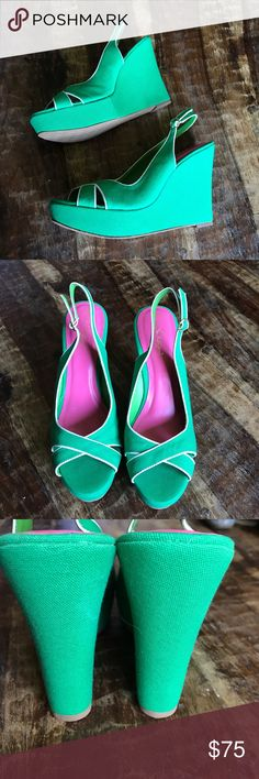 """Lilly Pulitzer Wedges Gorgeous Kelly Green Wedges in new condition. Beautiful color that's perfect for the summer. 5"""" Wedge with 1"""" platform. Lilly Pulitzer Shoes Wedges"""