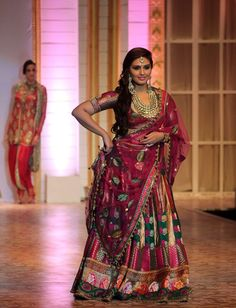 HD Images of Huma Qureshi at India Bridal Fashion Week (IBFW) Aamby Valley - HD Photos