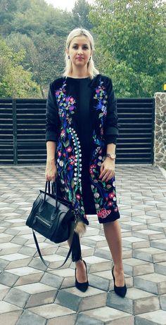 Velvet embroidery coat