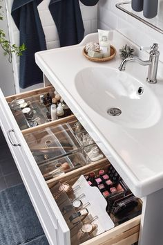 A romantic, relaxing washroom - IKEA Bathroom Drawer Organization, Bathroom Organisation, Makeup Organization, Room Organization, Makeup Storage In Bathroom, Organized Bathroom, Organize Bathroom Drawers, Makeup Storage Organization, Organisation Ideas
