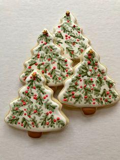 Wet on wet Christmas Tree Cookies, Christmas Sweets, Noel Christmas, Christmas Goodies, Holiday Cookies, Fancy Cookies, Cute Cookies, Royal Icing Cookies, Holiday Baking