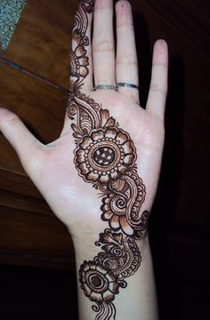 Styles and patterns of Mehndi designs