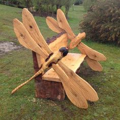 Dragonfly Bench.  🌻 For more great pins go to @KaseyBelleFox