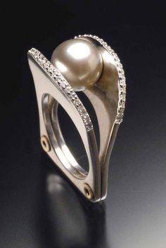 Ring | Ivan Sagel. Tahitian pearl and diamonds