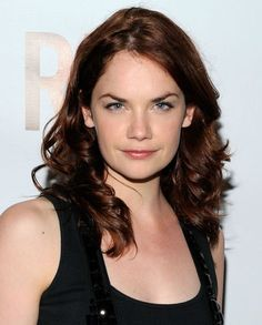 Ruth Wilson a.a Alice Morgan in Luther English Actresses, Female Actresses, British Actresses, British Actors, Hollywood Actresses, Actors & Actresses, Ruth Wilson, The Lone Ranger, Brunette Beauty