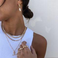 Jewelry Inspo Chunky Jewelry, Layered Jewelry, Cute Jewelry, Gold Jewelry, Jewelry Accessories, Fashion Accessories, Jewelry Necklaces, Fashion Jewelry, Jewelry Trends