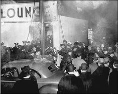 Boston Police arrive at the chaotic scene of the fire at the Cocoanut Grove club. Boston Pictures, Old Pictures, Old Photos, Coconut Grove Fire, Fake Palm Tree, San Francisco Earthquake, Celebrity Deaths, Cultural Events, American History