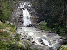 Pyrenees National Park : Bridge of Spain Nature site: waterfalls lined with trees - France-Voyage.com