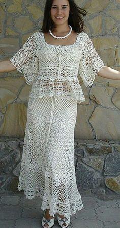 New Womans Crochet Patterns Part 183 Beautiful Crochet Patterns and Knitting Patterns beauty women Crochet Skirt Outfit, Black Crochet Dress, Crochet Skirts, Crochet Blouse, Crochet Clothes, Crochet Lace, Knit Dress, Filet Crochet, Crochet Wedding Dresses