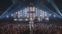 """Grammys Featured Mass Wedding During """"Same Love"""" Performance.  I didn't cry watching this, I swear …"""