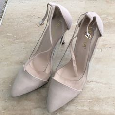 Nude heels Nude heels are a necessity to every girls closet. These tan closed toe heels have never been worn. Heel height 4inches Shoes Heels