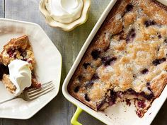 Blackberry Cobbler recipe from Ree Drummond via Food Network- quick dessert. Added cinnamon and vanilla to batter. Serve with ice cream. Just Desserts, Delicious Desserts, Dessert Recipes, Yummy Food, Southern Desserts, Breakfast Recipes, Ree Drummond, Funnel Cakes, Biscotti