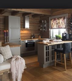Many small log cabin homes are highly decorative with excellent finishes. You could easily design a log home yourself and you could go from there, but it's a good… Continue Reading → Small Cabin Interiors, Small Cabin Kitchens, Log Home Kitchens, Log Home Interiors, Cabin Design, Küchen Design, House Design, Small Log Cabin, Log Cabin Homes