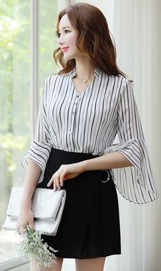 Pearl Accent Ring Decoration Pleated Skort is part of business Attire Korean - Korean Women's Fashion Shopping Mall, Styleonme N Korean Fashion Trends, Korean Street Fashion, Asian Fashion, Cardigan Outfits, Skirt Outfits, Rock Outfits, Pants Outfit, Blouse Styles, Blouse Designs