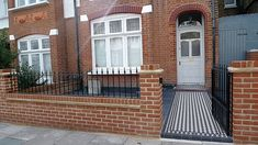 Red Imperial London Brick Wall Blue Black Slate Paving Black And White  Victorian Mosaic Tile Path
