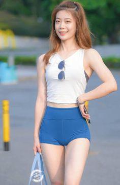 Beautiful Girl Body, Beautiful Asian Women, American Bikini, Indian Girl Bikini, Young Girl Fashion, Short Models, Skinny Girls, Girls In Leggings, Cute Asian Girls