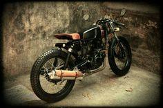 #bombay #custom #works #cafe #racer #modify #bike #classic #era #passion