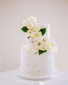 Chic + simple white floral wedding cake for DC wedding at Daughters of the American Revolution in Washington, D. Brought to life by Florist- Sweet Root Village, Photographer- Clay Austin Photography and Planner- Simply Chic Events. 2 Tier Wedding Cakes, Wedding Cake Prices, Small Wedding Cakes, Wedding Cake Flavors, Wedding Cake Rustic, Wedding Cakes With Cupcakes, Wedding Cake Decorations, Wedding Cakes With Flowers, Elegant Wedding Cakes