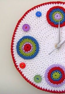 Crochet Time and my Friend Natasja (By Elizabeth Cat) Crochet Home, Crochet Yarn, Granny Square Crochet Pattern, Crochet Patterns, Crochet Ideas, Crochet Decoration, Yarn Bombing, Learn To Crochet, Yarn Crafts