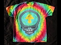 I show you my understanding of the tie dye process to make a mandala or star/ lotus blossom pattern on a bandana Come check out my website or send me a messa...
