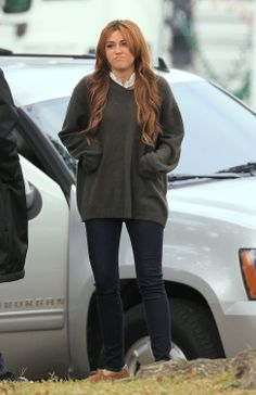 miley cyrus so undercover | Index of /albums/Movies/So Undercover/On Set/On Set Of So Undercover ...
