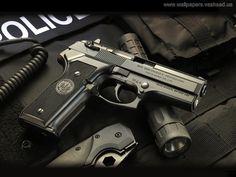 Pistoler - desktop bakgrunner: http://wallpapic-no.com/diverse/pistoler/wallpaper-6806