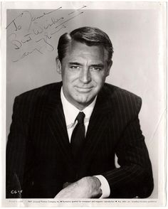 English stage and Hollywood film actor (1904-1986), later American citizen - Nice photo, 8 x 10 inches, signed by Cary Grant