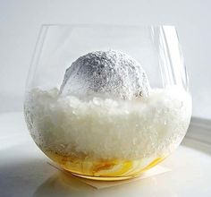 Sydney restaurant Quay's snow egg is arguably the most famous dessert in the country....Looks delicious,I want to taste !!! and the recipe Toooo