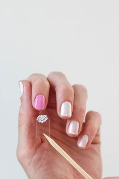 Loving these nails! Wedding nails, perhaps? #jamberry #nailart