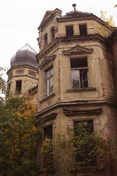 Abandoned mansion, Simmelwitz, Poland. This must have been a beautiful place once upon a time.