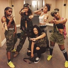 Discovered by ♛alιѕнa roѕə♛. Find images and videos about swag, squad and kehlani on We Heart It – the app to get lost in what you love. Go Best Friend, Best Friend Goals, Best Friends, Bff Halloween Costumes, Halloween Kostüm, Squad Goals Tumblr, Fantasias Halloween, Bff Goals, Halloween Disfraces