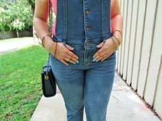 Lovin' My Overalls up on the blog at alicemarieh.com #overalls #denim #summerfashion #pink #prints #manicure #accessories
